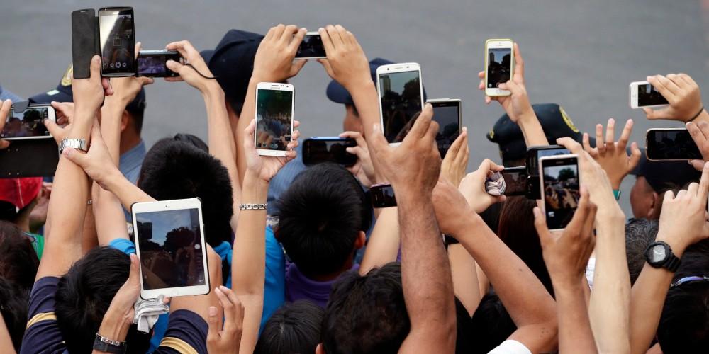 Pope Asia Smartphone Mania Photo Gallery